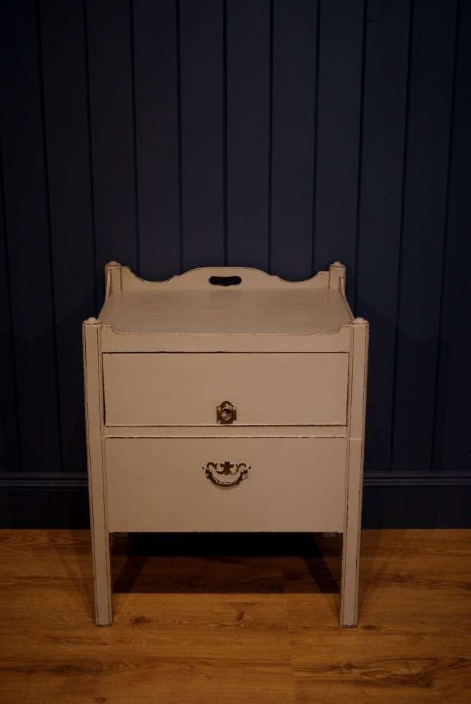 Georgian Painted Mahogany Commode1