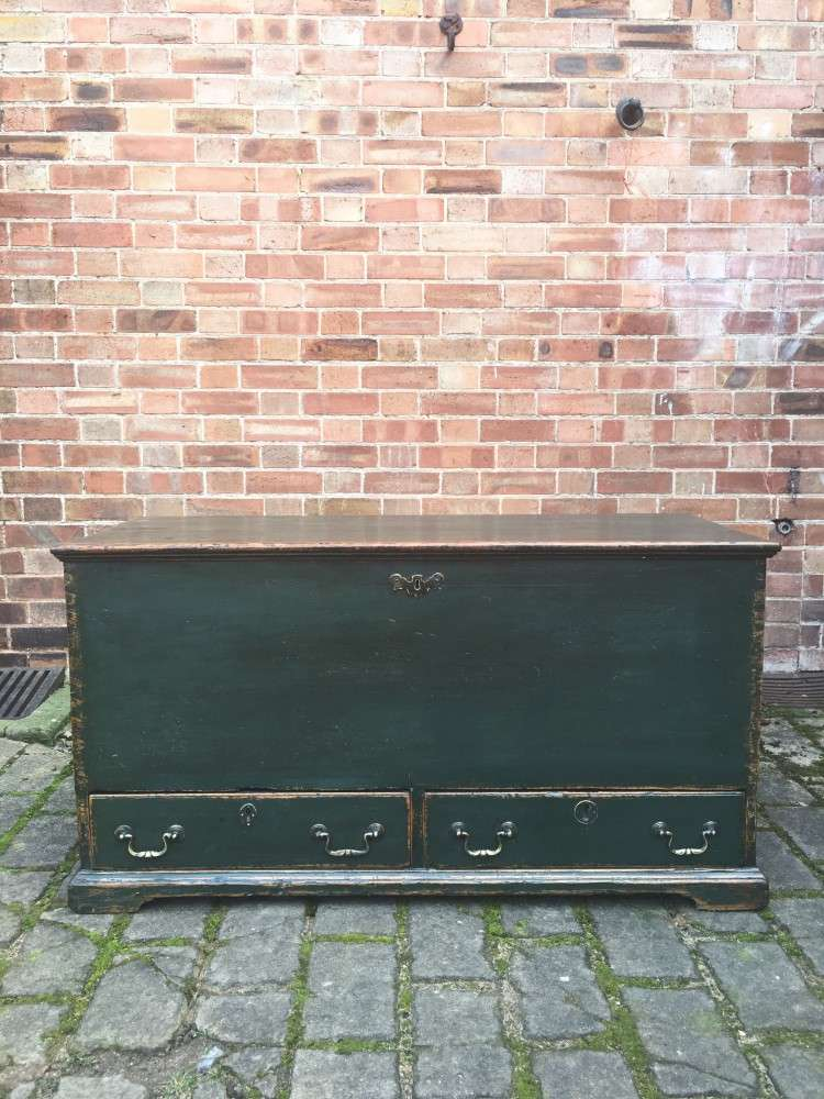 Regency Painted Pine Mule Chest