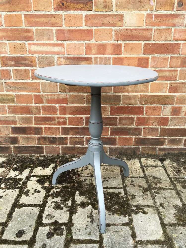 Regency Painted Mahogany Tripod Table