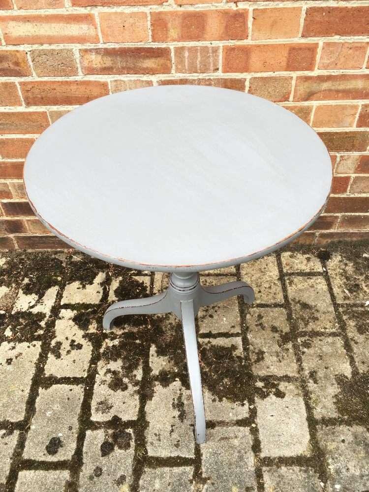 Regency Painted Mahogany Tripod Table1