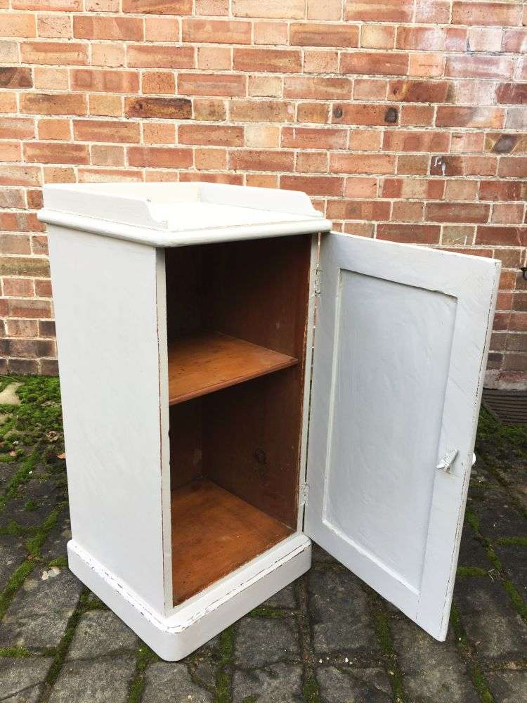 Late Victorian Painted Pine Pot Cupboard2