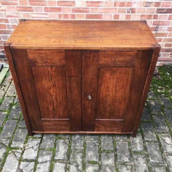 1930's Oak 2 Door Cupboard3