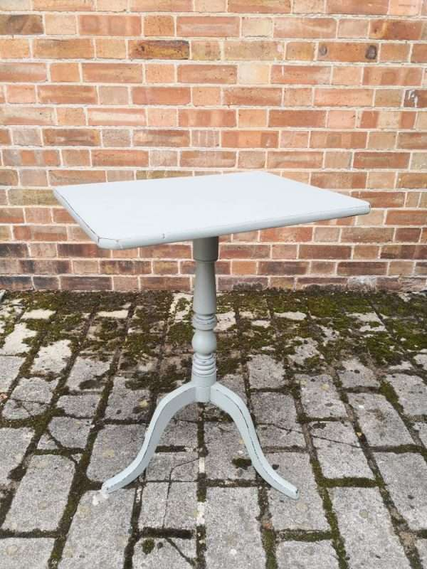 Mid 19th Century Painted Mahogany Tripod Table1