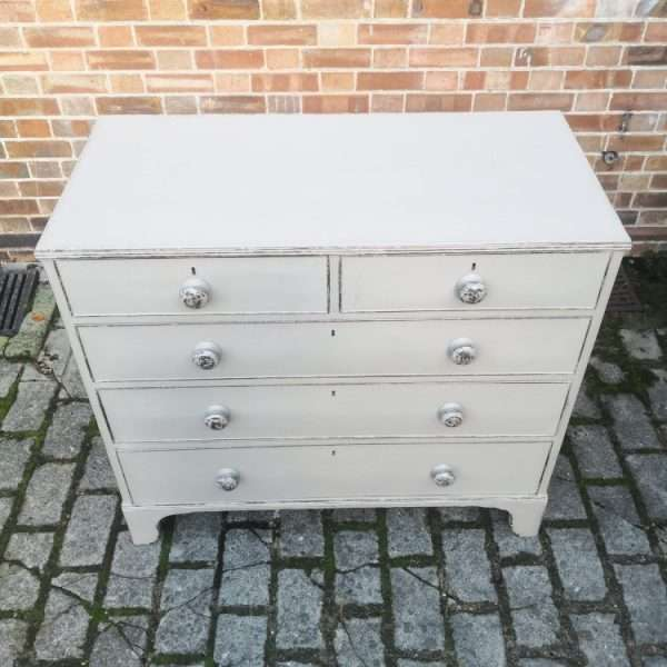 Early 19th Century painted Mahogany Chest Of Drawers3