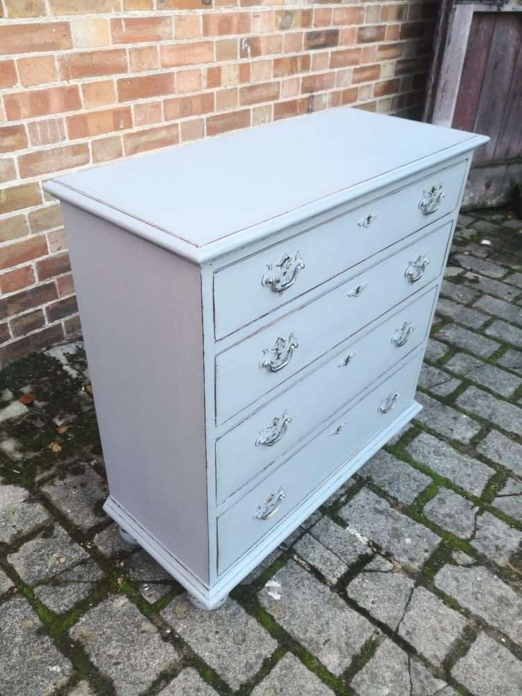 Queen Anne Style Painted Oak Chest Of Drawers1