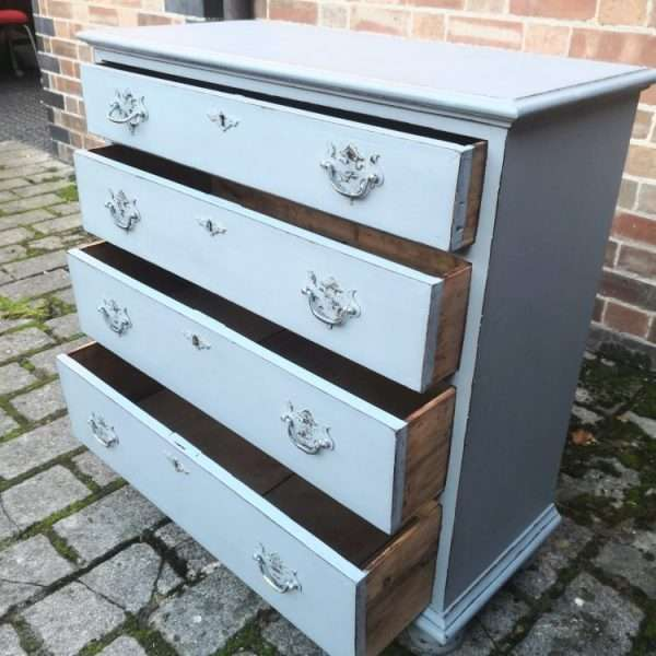 Queen Anne Style Painted Oak Chest Of Drawers2